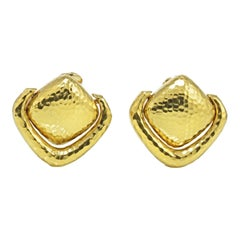 David Webb Yellow Gold 18 Karat Hammered Door-Knocker Clip-On Earrings