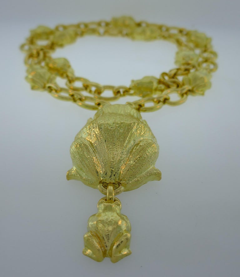 David Webb Yellow Gold Frog Chain Necklace, 1980s 4