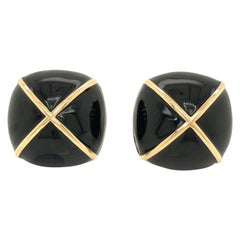 David Webb Yellow Gold Large Square Cushion Black Enamel Clip-On Earrings