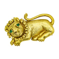David Webb Yellow Gold Lion with Emerald Eyes Brooch