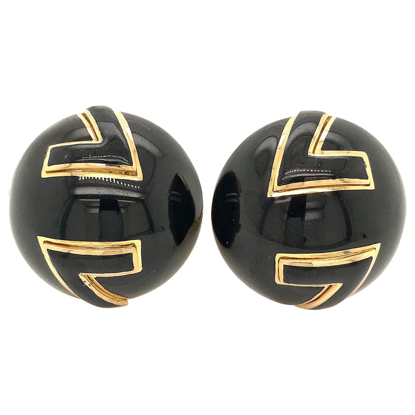 David Webb Yellow Gold Round Black Enamel Clip-On Earrings