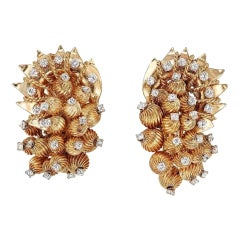 David Webb Yellow Gold Sculpted Set with Round Diamonds Earrings