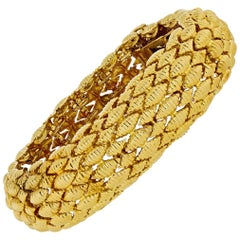David Webb Yellow Gold Textured Link Bracelet