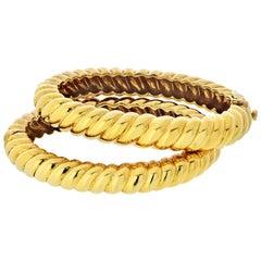 David Webb Yellow Gold Twisted Rope Hinged Bangle Bracelets