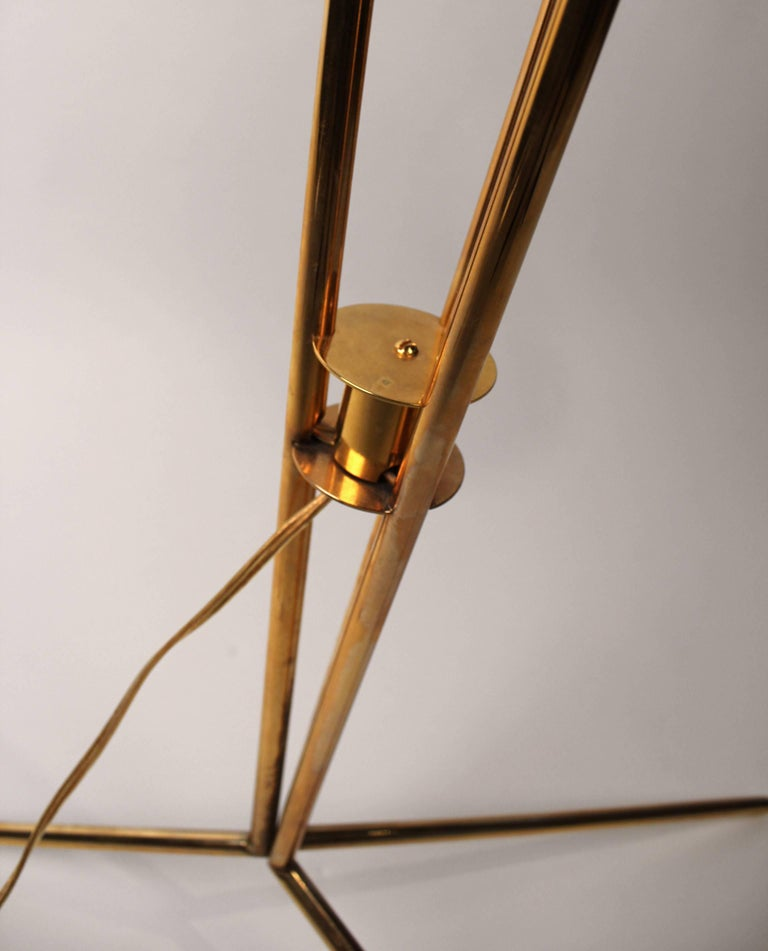 David Weeks Model '303' Articulated Brass Floor Lamp For Sale 1