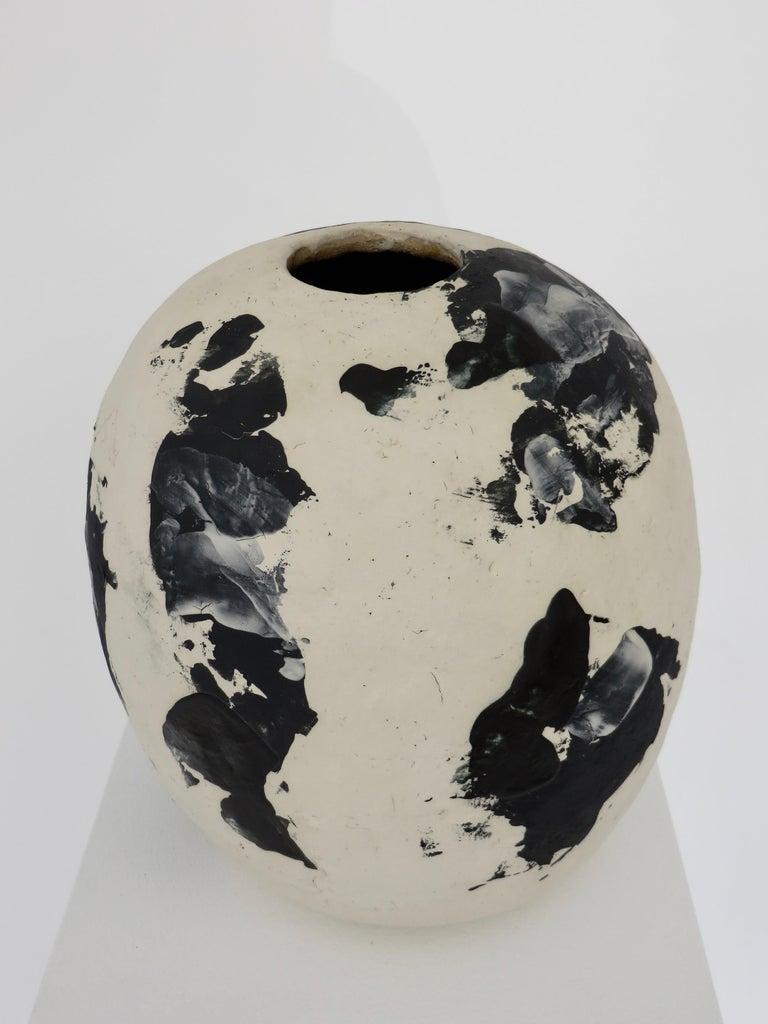 David Whitehead Ceramic Artist White and Black Wood Fired Ceramic Vase La Borne  In New Condition For Sale In Chicago, IL