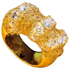 D'Avossa Ring in White and Yellow Diamonds