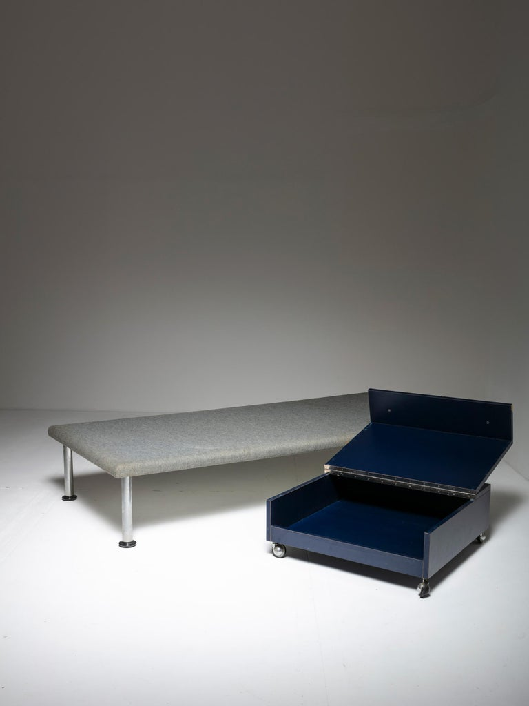 Italian Day Bed and Case Piece by Roberto Gabetti & Aimaro Isola For Sale