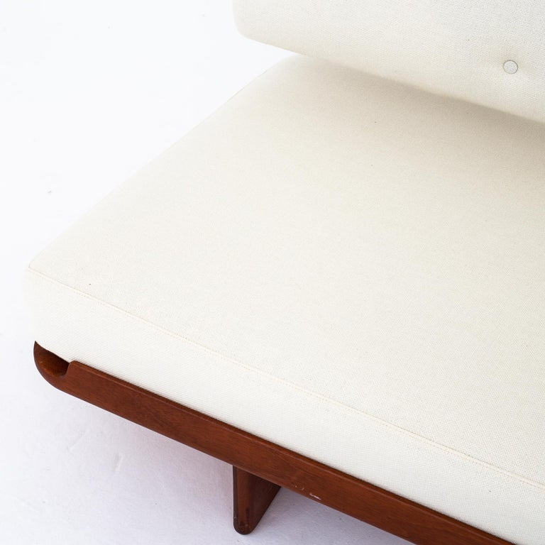 Lacquered Daybed by Grete Jalk For Sale