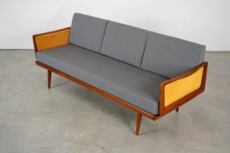 Daybed Sofa by Peter Hvidt & Orla Mølgaard Nielsen for France & Søn For Sale 2
