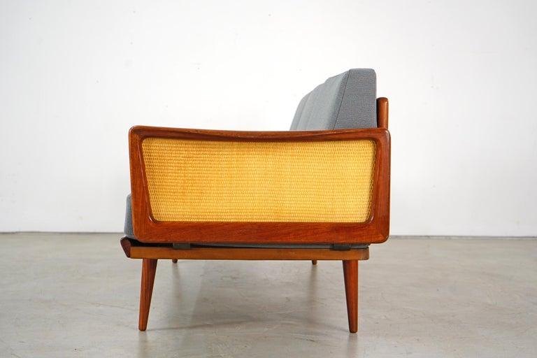 Daybed Sofa by Peter Hvidt & Orla Mølgaard Nielsen for France & Søn For Sale 3