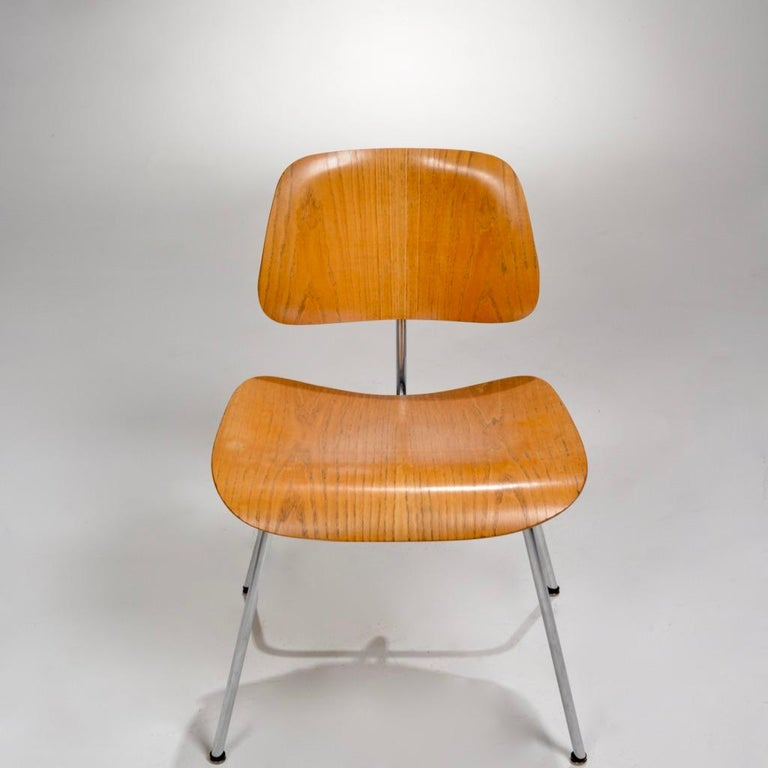 Mid-Century Modern DCM Chair by Charles and Ray Eames for Herman Miller For Sale