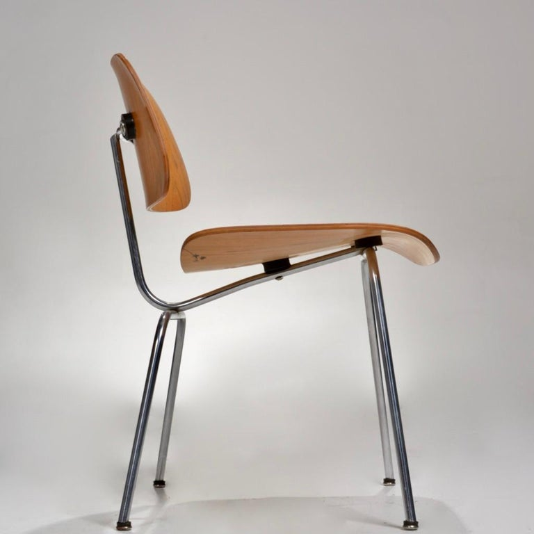 Molded DCM Chair by Charles and Ray Eames for Herman Miller For Sale