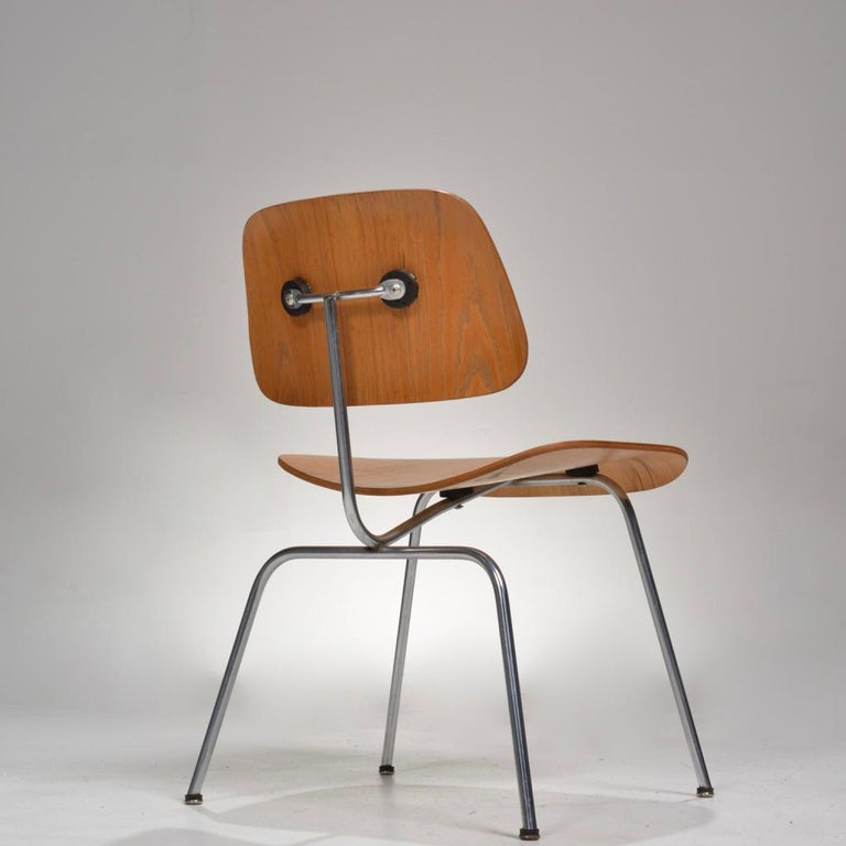 Mid-20th Century DCM Chair by Charles and Ray Eames for Herman Miller For Sale