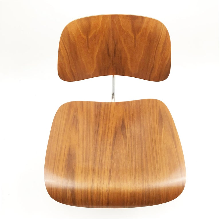 Mid-Century Modern DCM Chairs by Charles and Ray Eames for Herman Miller For Sale
