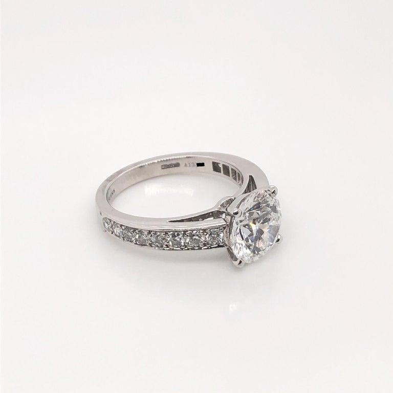 De Beers 2.40 Carat Round Brilliant Cut Diamond Engagement Ring, GIA For Sale 1