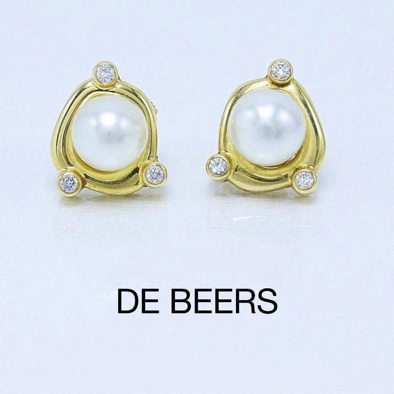De Beers Rainfall Pearls and Diamond Earrings in 18 Karat Gold with Papers In Excellent Condition For Sale In San Diego, CA