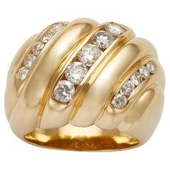 De Boulle 18k Yellow Gold Diamond Diagonal Ridge Ring