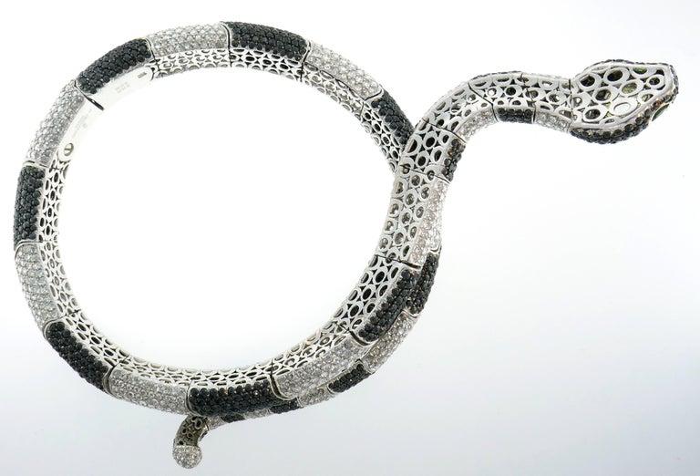 Round Cut De Grisogono 18K White Gold White & Black Diamond Snake Necklace For Sale