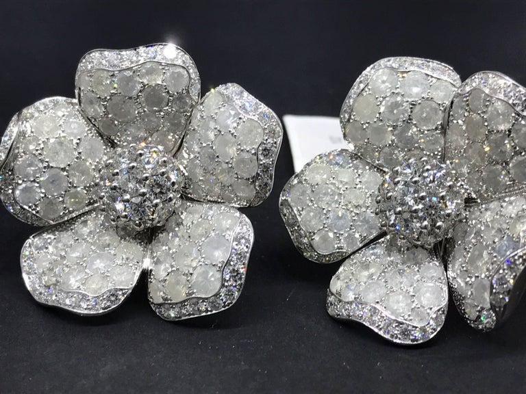 De Grisogono Large 18 Karat White Gold Pave Diamond Earrings In Excellent Condition For Sale In New York, NY