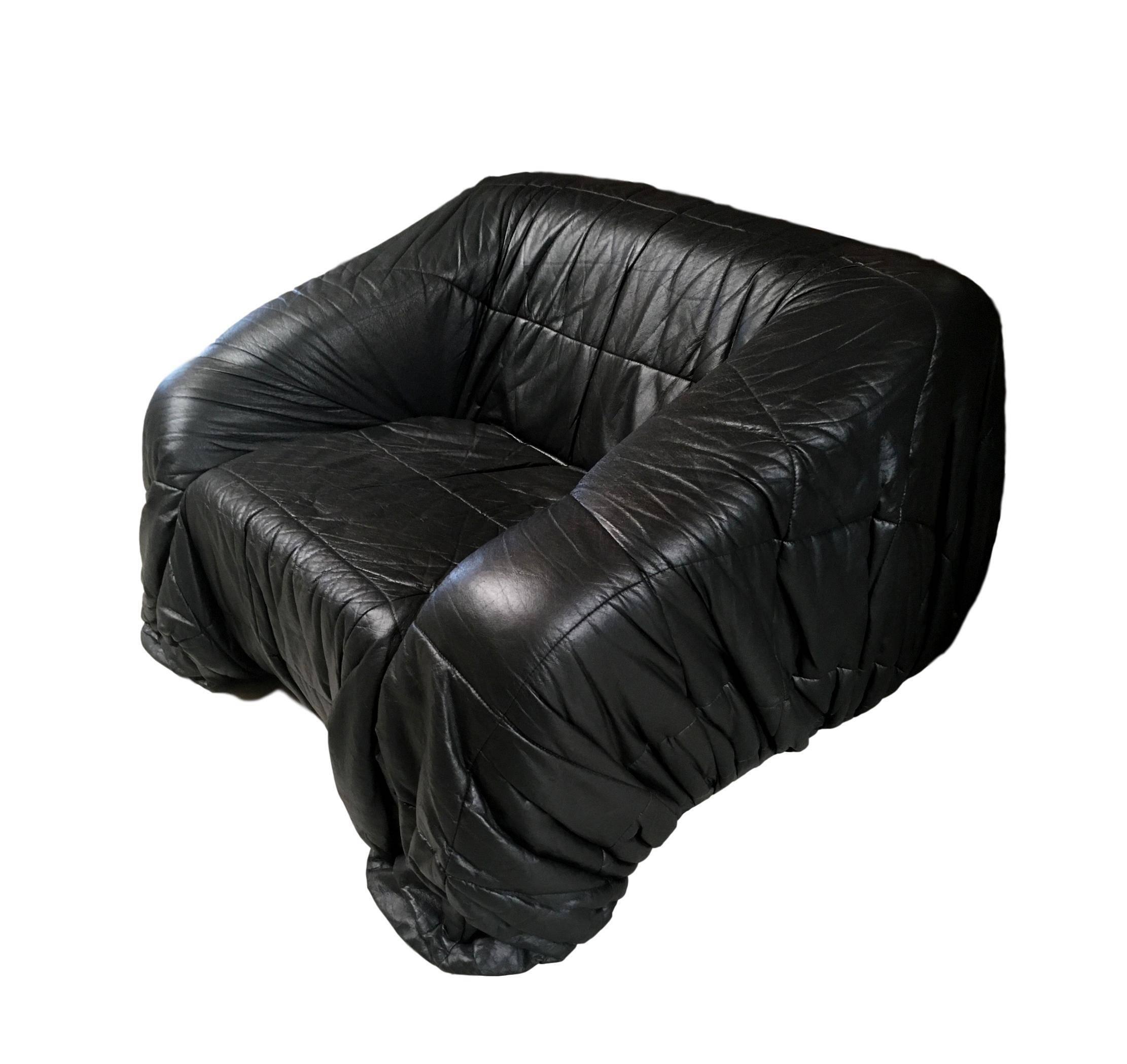 De Pas, D'urbino and Lomazzi Black Leather Club Chair
