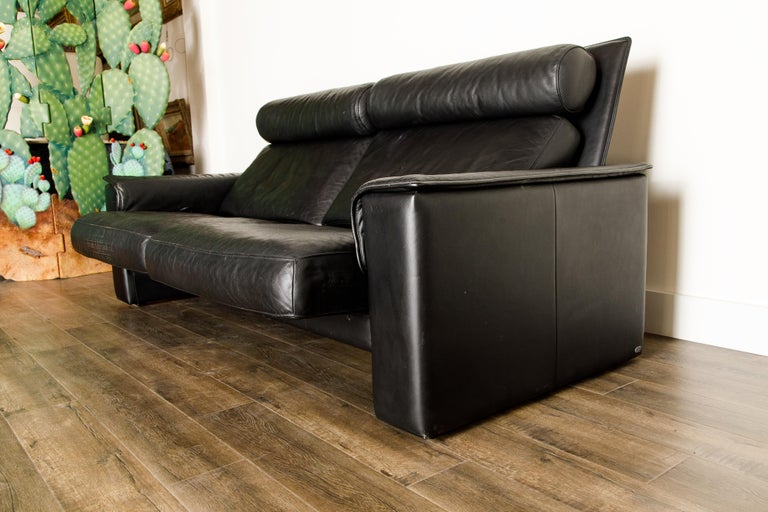 De Sede Aged Black Leather Recliner Loveseat Sofa, 1970s Switzerland, Signed For Sale 9