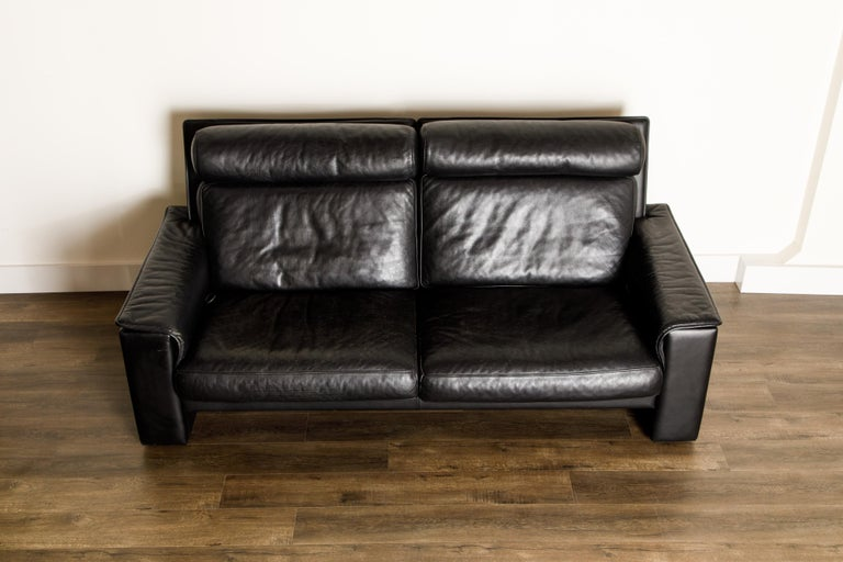 Swiss De Sede Aged Black Leather Recliner Loveseat Sofa, 1970s Switzerland, Signed For Sale