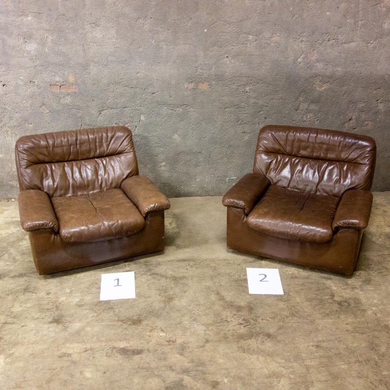 De Sede is made to last. The leather is all good and has a great patina. Model: DS66.