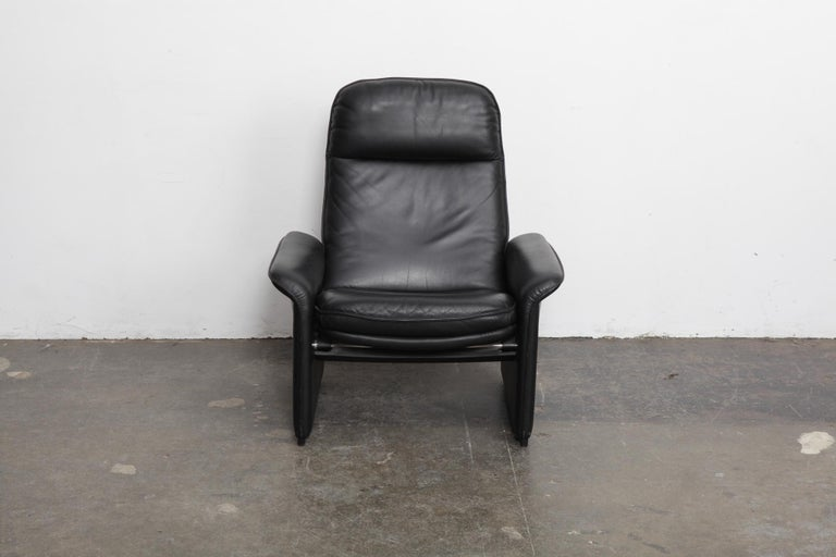 Original black leather recliner chair from De Sede, model DS50, Switzerland, 1970s. Leather is in excellent vintage condition.