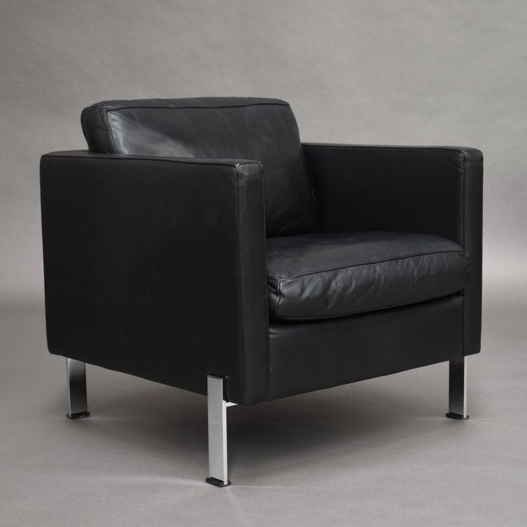 Mid-Century Modern De Sede DS-118 Black Leather Lounge Armchairs, Switzerland For Sale