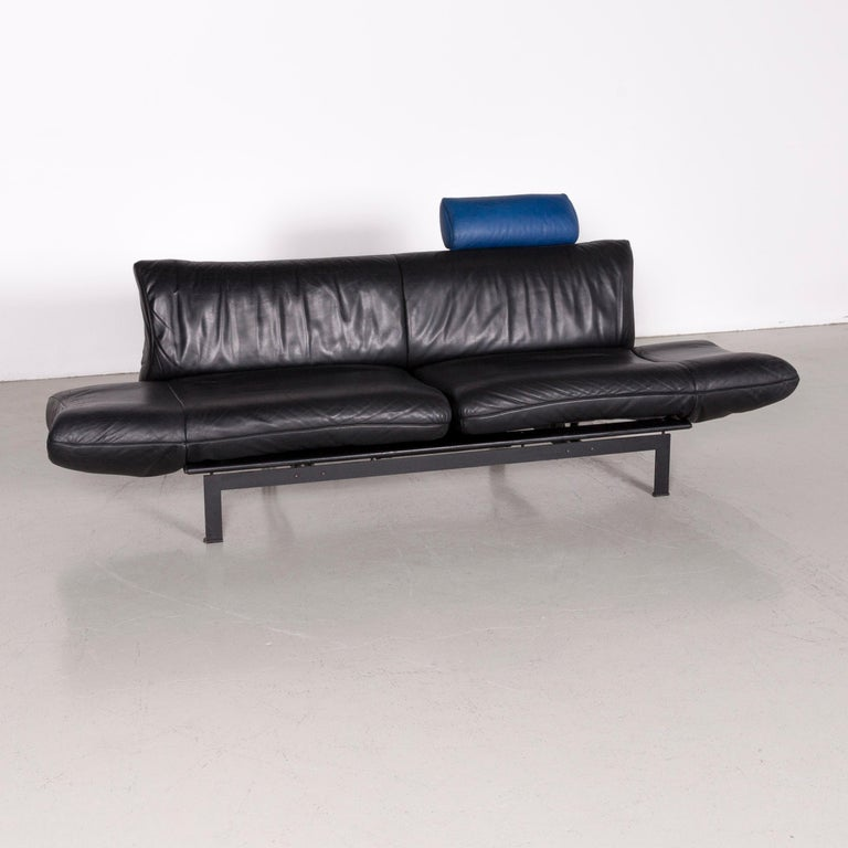 We bring to you a De Sede DS 140 designer leather sofa black three-seat function modern.