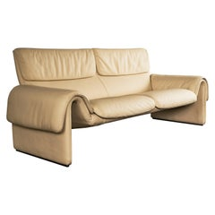 De Sede DS-2011 Two-Seat Sofa in Crème Leather