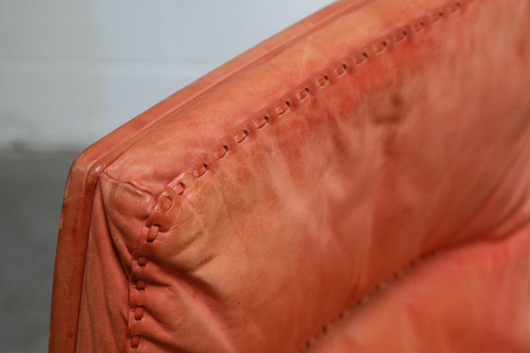 De Sede DS-35 Distressed Leather Executive Office Chair, Signed and Dated 1969 For Sale 10