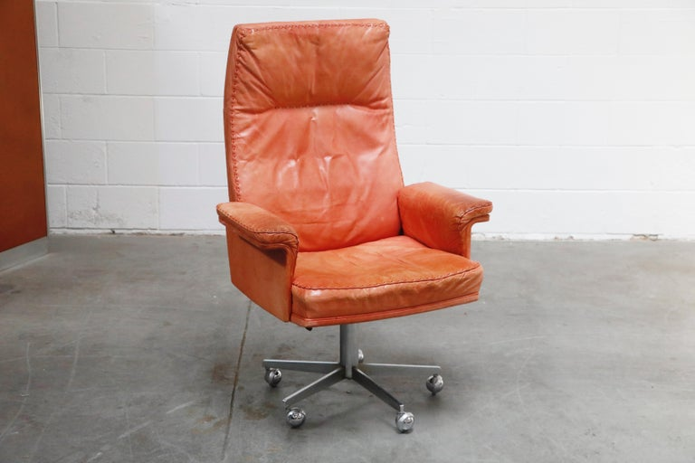 Modern De Sede DS-35 Distressed Leather Executive Office Chair, Signed and Dated 1969 For Sale