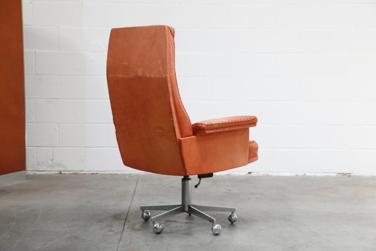 Mid-20th Century De Sede DS-35 Distressed Leather Executive Office Chair, Signed and Dated 1969 For Sale