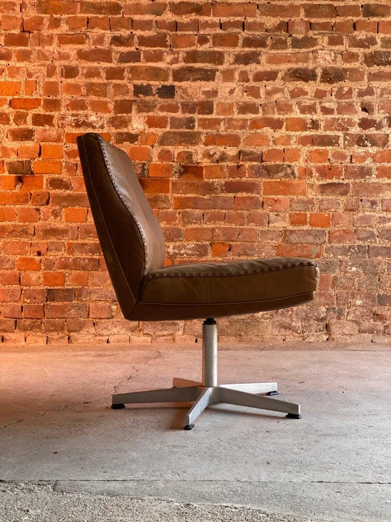 Leather De Sede DS 35 Executive Swivel Desk Chair, Switzerland, circa 1960 For Sale