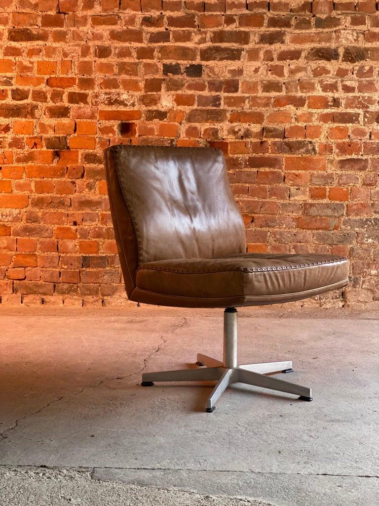 De Sede DS 35 Executive Swivel Desk Chair, Switzerland, circa 1960 For Sale 1