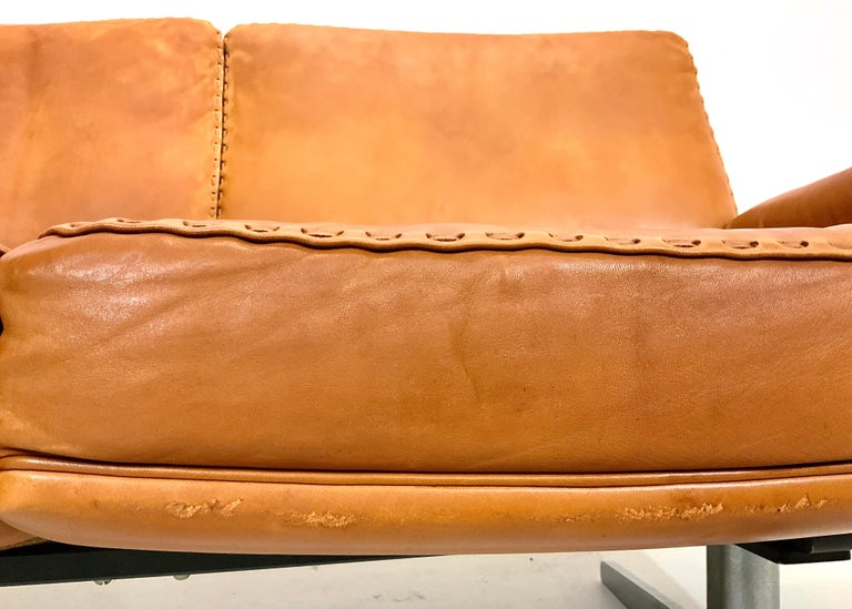 De Sede DS-35 Two-Seat Sofa Loveseat in Cognac Brown Leather, Switzerland, 1960s For Sale 3
