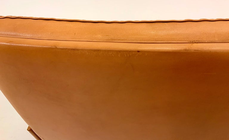 De Sede DS-35 Two-Seat Sofa Loveseat in Cognac Brown Leather, Switzerland, 1960s For Sale 11