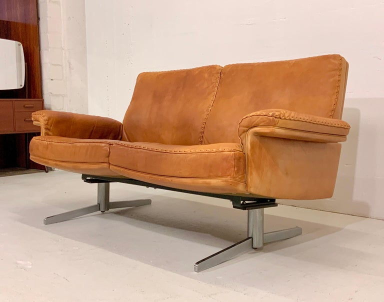 Mid-Century Modern De Sede DS-35 Two-Seat Sofa Loveseat in Cognac Brown Leather, Switzerland, 1960s For Sale