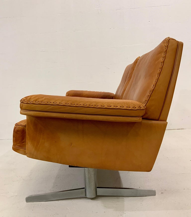 Hand-Crafted De Sede DS-35 Two-Seat Sofa Loveseat in Cognac Brown Leather, Switzerland, 1960s For Sale