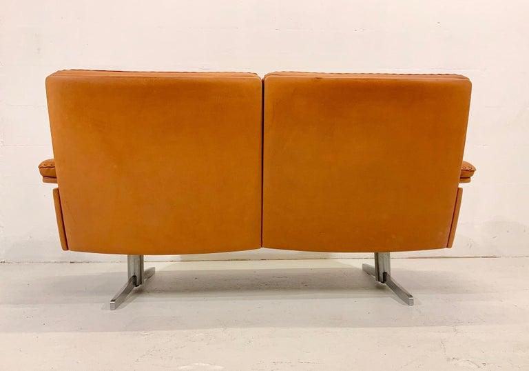 De Sede DS-35 Two-Seat Sofa Loveseat in Cognac Brown Leather, Switzerland, 1960s In Good Condition For Sale In Hamburg, DE