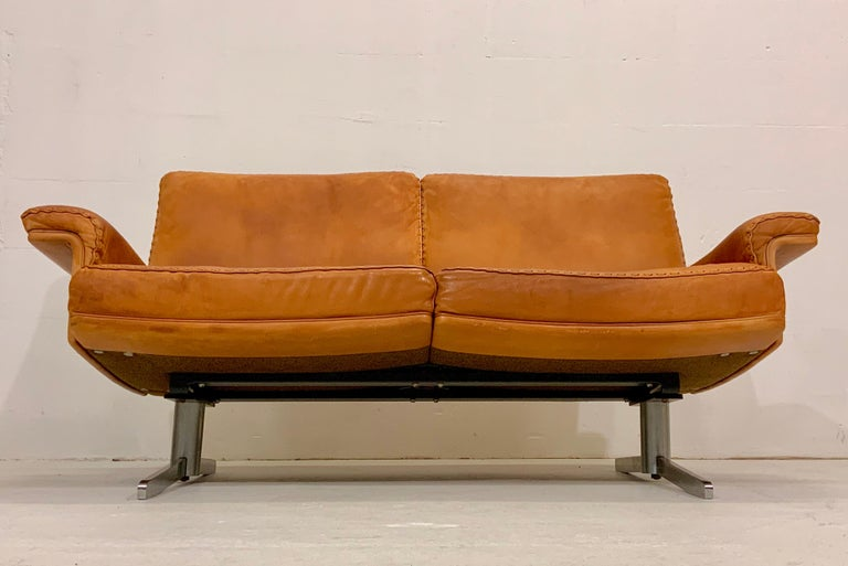 20th Century De Sede DS-35 Two-Seat Sofa Loveseat in Cognac Brown Leather, Switzerland, 1960s For Sale