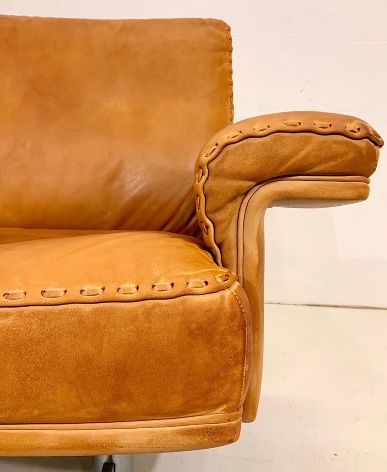 De Sede DS-35 Two-Seat Sofa Loveseat in Cognac Brown Leather, Switzerland, 1960s For Sale 2