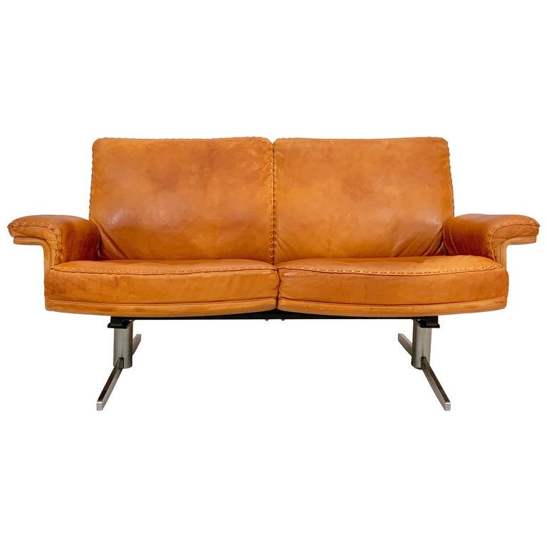 De Sede DS-35 Two-Seat Sofa Loveseat in Cognac Brown Leather, Switzerland, 1960s For Sale