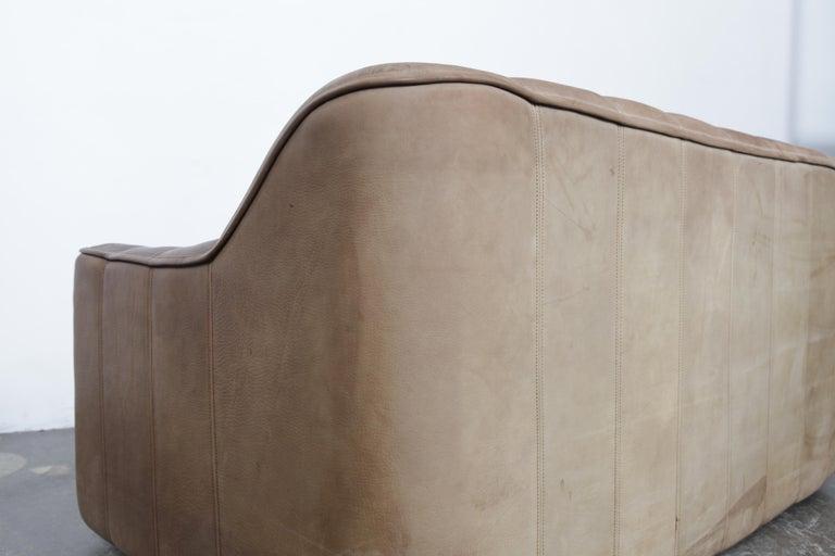 Swiss De Sede DS 44 2-Seat Sofa in Buffalo Leather, Switzerland, 1970s For Sale