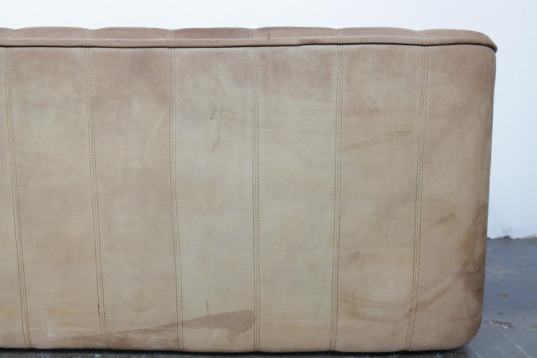 De Sede DS 44 2-Seat Sofa in Buffalo Leather, Switzerland, 1970s For Sale 1