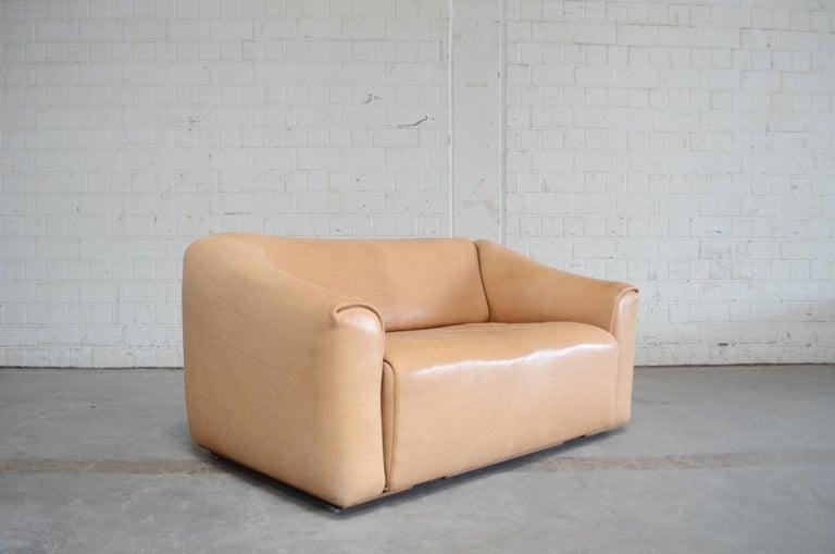 De Sede DS 47 Loveseat Neck Leather Sofa For Sale 9