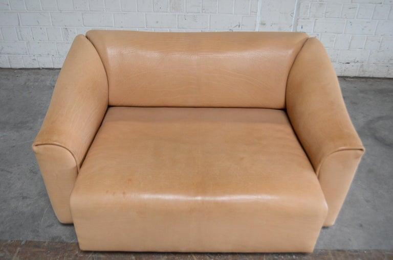 De Sede DS 47 Loveseat Neck Leather Sofa For Sale 10