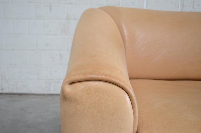 De Sede DS 47 Loveseat Neck Leather Sofa For Sale 2